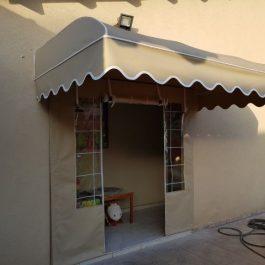 סוכך קבוע עליון + דלת עם רוכסנים